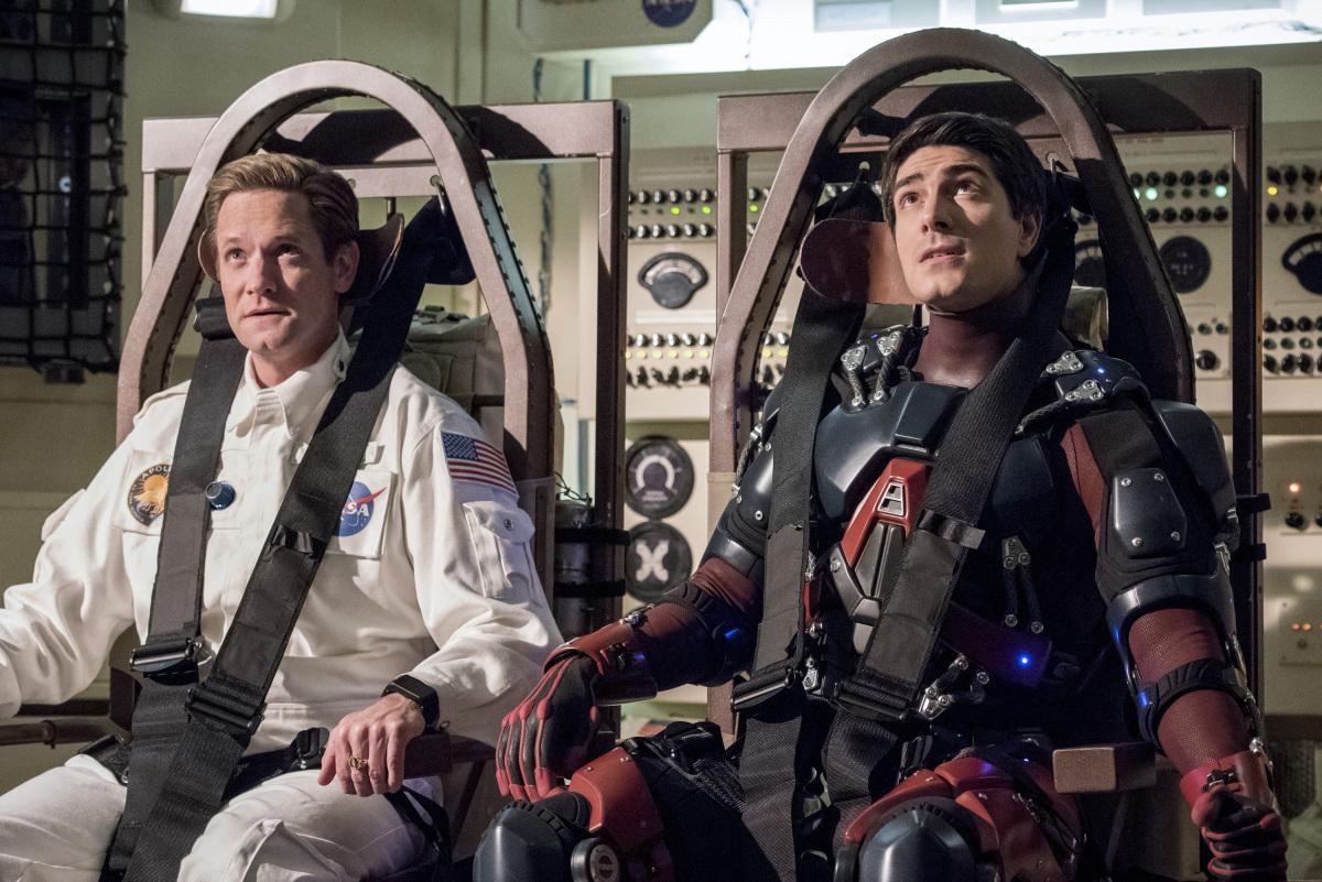 """'Legends of Tomorrow' recap: 2×14 """"Moonshot"""""""
