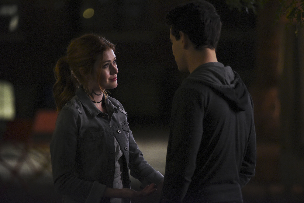 """Photo of 'Shadowhunters' recap: 2×08 """"Love is a Devil"""""""