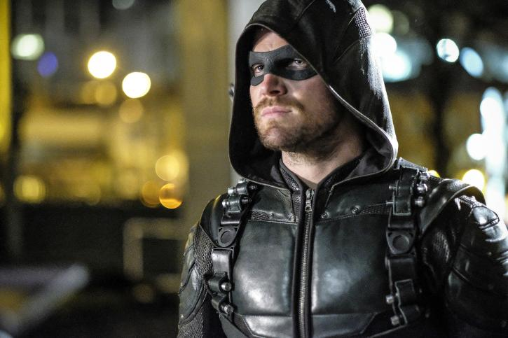 "Photo of 'Arrow' Recap: 5×21 ""Honor Thy Fathers"""
