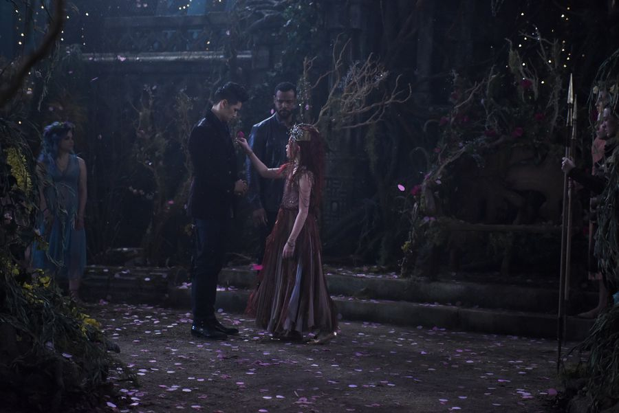 "Photo of 'Shadowhunters' recap: 2×18 ""Awake, Arise or Be Forever Fallen"""