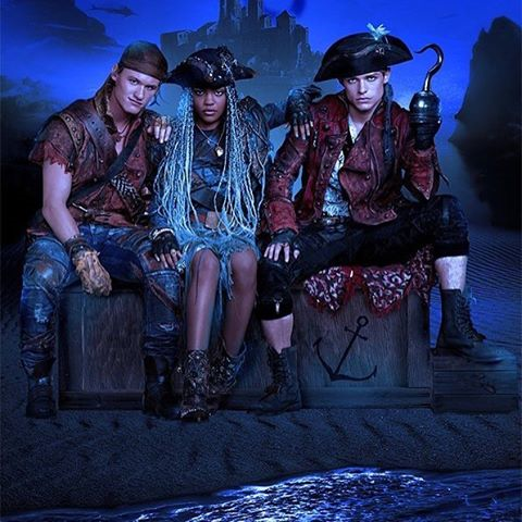 Descendants 2 Ships